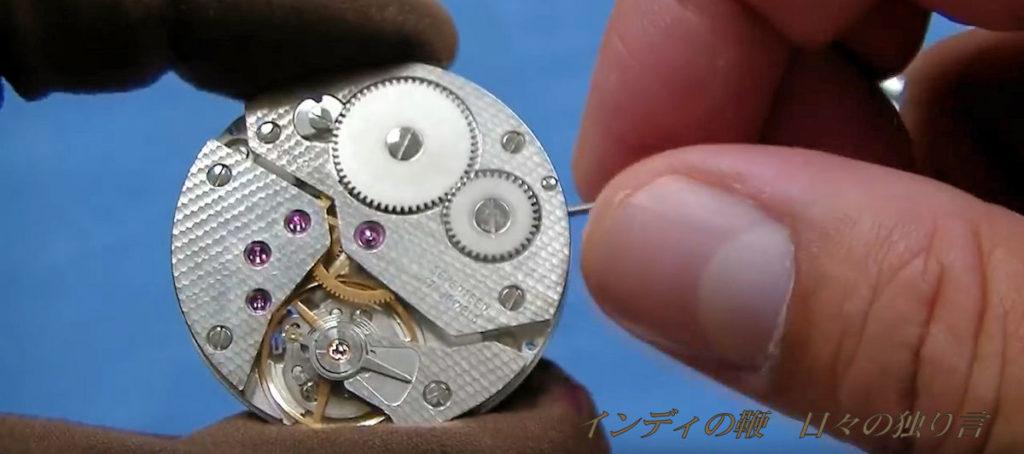 機械式時計のムーブメントの一例